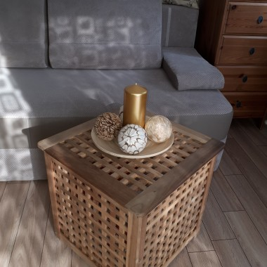 Nie ma staromodnej serwety-jest nowa dekoracja stolika:-)
