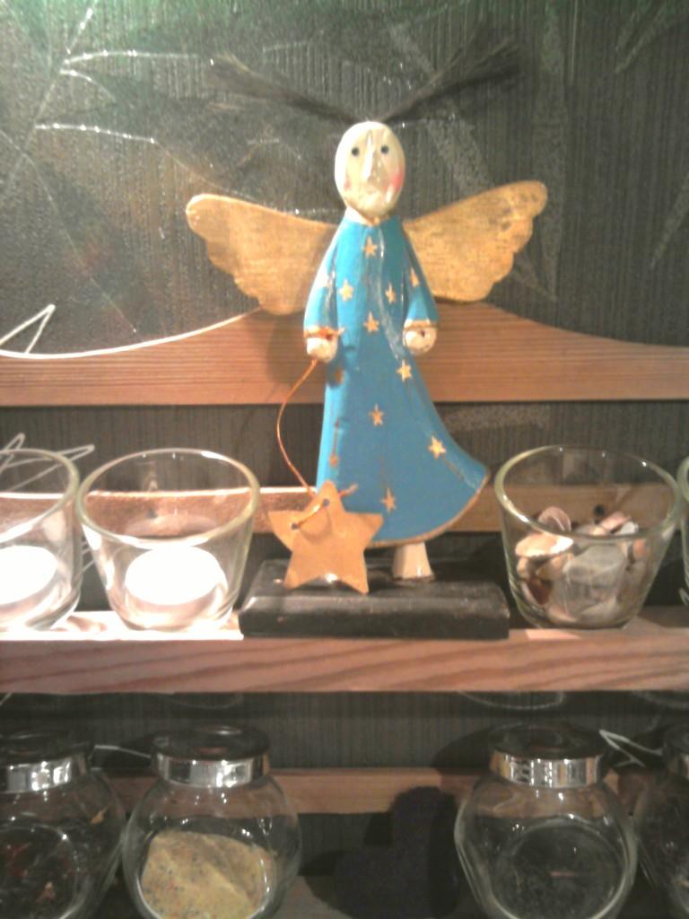 Pozostałe, Świąteczne podrygi... :) - Rozczochrany Aniołek stróżuje w kuchni :)