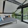 Domy sław, Dom Antonio Banderasa w Anglii na sprzedaż - Budowa domu kosztowała Banderasa 2,4 miliona funtów (około 2,8 miliona euro przy obecnym kursie wymiany).  Fot.Rex Features/East News