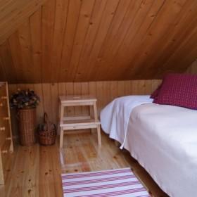 drewniana facjatka dla gościa