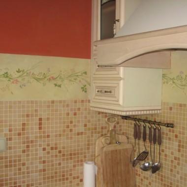 fryz kuchenny zabezpieczający ściany przed zachlapaniem.