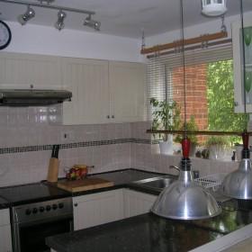 kuchnia w malym mieszkanku:)