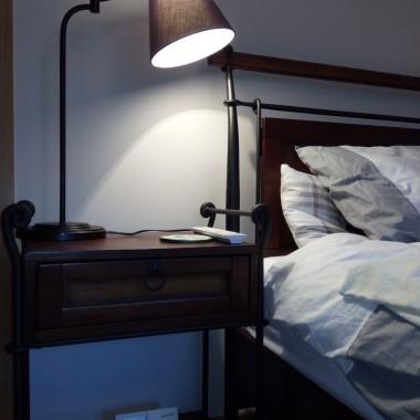 Powinny tu być...w sypialni. Jest wciąż dopieszczana...Pozostały ściany do dekoracji...Ale, kto to wie, jakie jeszcze tam będą zmiany...Ważne żeby było czysto i wygodnie. Na razie i pierwsze i drugie jest. Zapraszam do mojej sypialni.