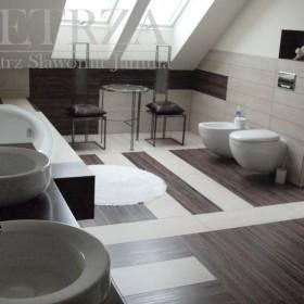 trochę większa łazienka...