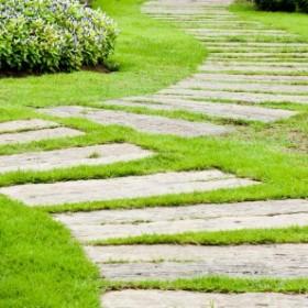 Kilka pomysłów na ścieżki ogrodowe