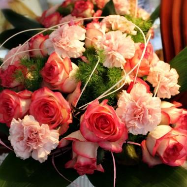 """Z okazji Świąt życzę wszystkim Deccorianom zdrowia, radości, wiosennego nastroju oraz wesołego """"Alleluja""""."""