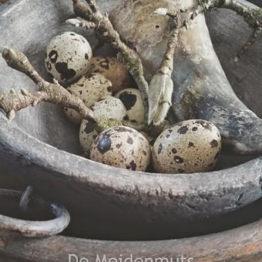 Wielkanocne aranżacje w klimacie Wabi Sabi .Radosnych świąt drogie Deccorianki :)