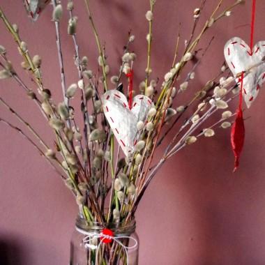 Słoiki w roli wazonów
