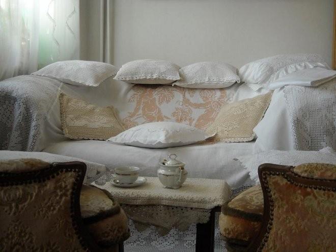 Pozostałe, Jak zmieniało się moje mieszkanie.................. - ............i moja ukochana sofa ubrana w podusie..........