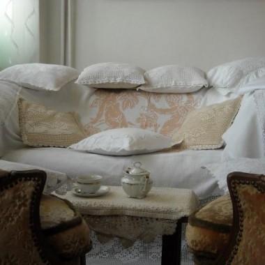 ............i moja ukochana sofa ubrana w podusie..........