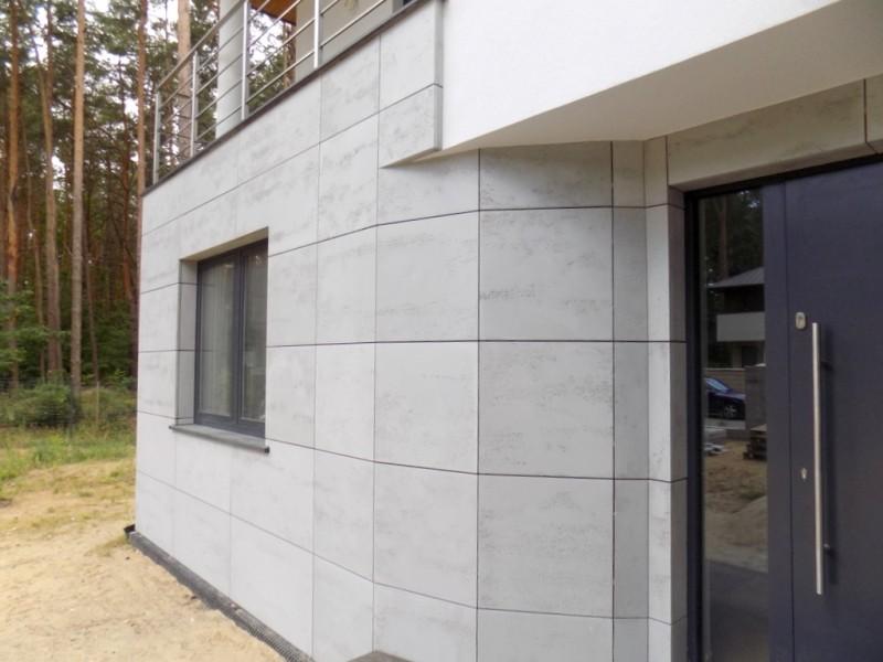 Nowoczesna architektura Zdjęcie 2/19 w aranżacji BETON ARCHITEKTONICZNY - Elewacje z VX25