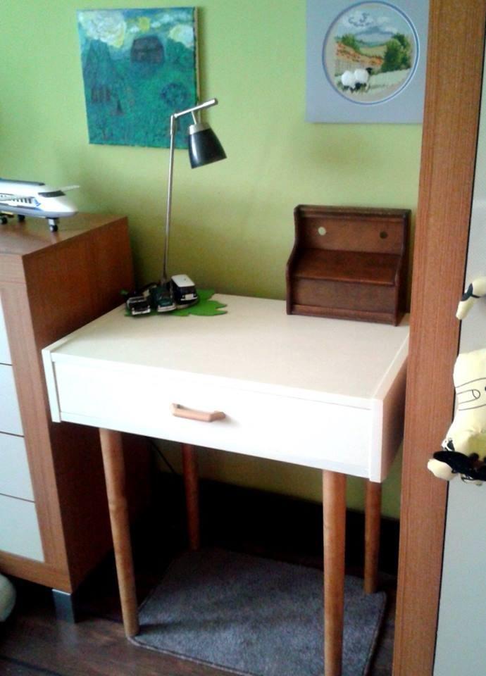 Zrób to sam, meble inaczej - po zmianie powstało małe biureczko