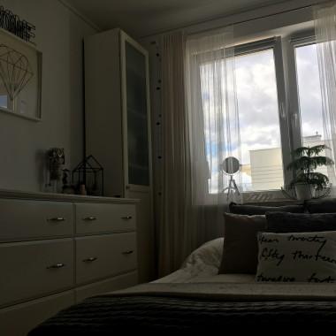 Opatrzyły mi się już kolorowe ściany. Przemalowaliśmy sypialnie na biało i tak nam z tym teraz dobrze.