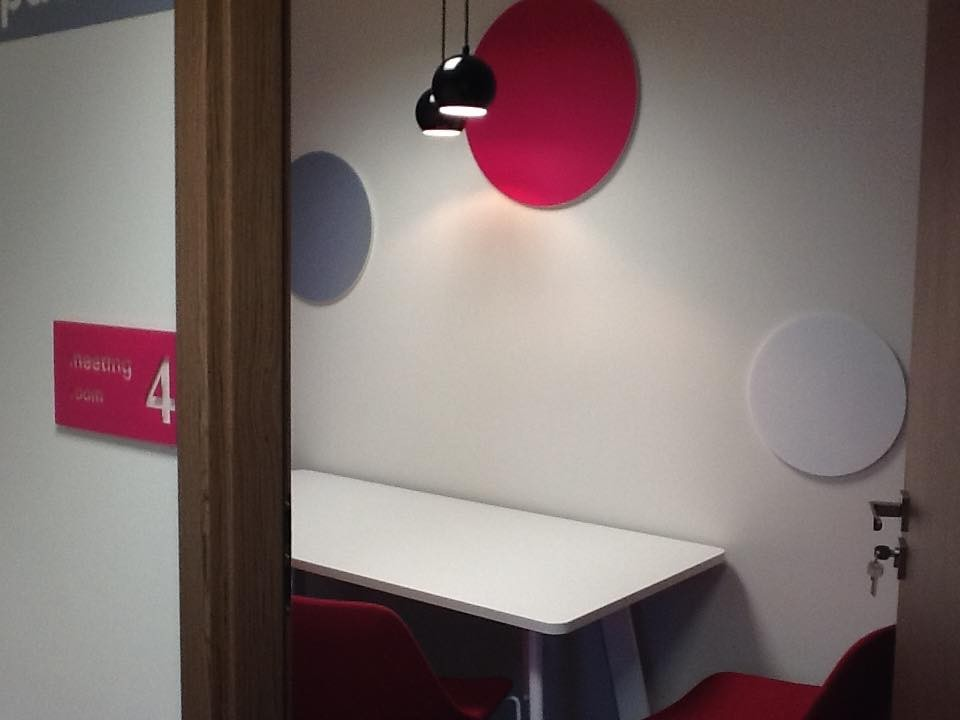 Gabinet, Kolorowe biuro Work Service Poznań - Salka spotkań
