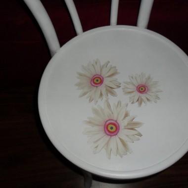 ...nie zdecupagowałam jeszcze do końca moje krzesło za całe 25 PLN