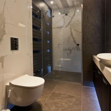 Nowoczesna łazienka w nowoczesnym domu
