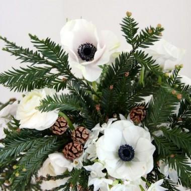 Grudniowe kwiaty,którymi zdobimy nasze świąteczne wnętrza.PIĘKNYCH ŚWIĄT DROGIE DEKORIANKI :)