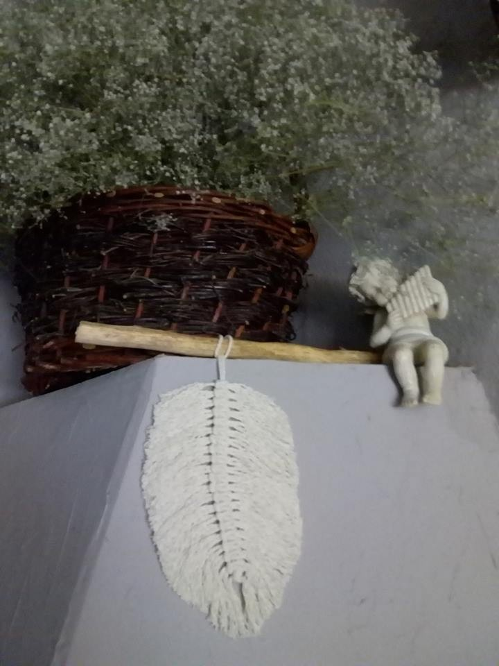 Dekoracje, pióra i ptaszki - Piórko ze sznurka