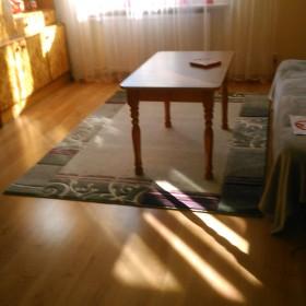 doradzcie czy ten dywan tu pasuje i w takim rozmiarze?