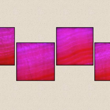 Aranżacja z 4 szt. Kinkietów o powierzchni z naturalnego transparentnego onyksu podświetlana diodami LED sterowana PILOTEM z 20 programami kolorystycznymi ,19 kolorów ,5 stopni regulacji jasności i prędkości