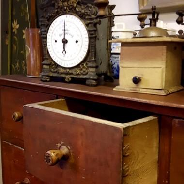 Oryginalna, XIX-wieczna szafka.