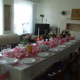 Dekoracje  stołu z I  komunii św. w moim  mieszkanku :-))
