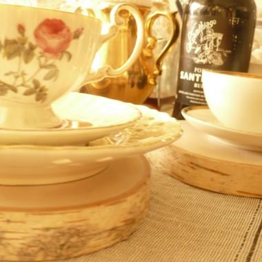 ...........i porcelanki na stole.............