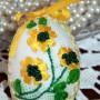 Pozostałe, jajogłowe damy i inne jajkowe przebierańce..... - moje próby z haftem wstążeczkowym......marne ,ale co tam...próbować będę dalej....