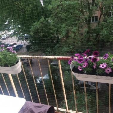 Balkonik w budynku 4 piętrowym, blok betonowy