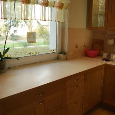 Idąc za ciosem dodaję kolejne zdjęcia, z tym że zerkając nieco dalej - do kuchni.
