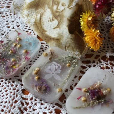 wytworzyłam kilka... , ale nie znajduję dla nich zastosowania  :) może mały prezent ?We Florencji, są bardzo pożądanym towarem, dostępnym w wyjątkowych sklepikach...Zobaczcie...