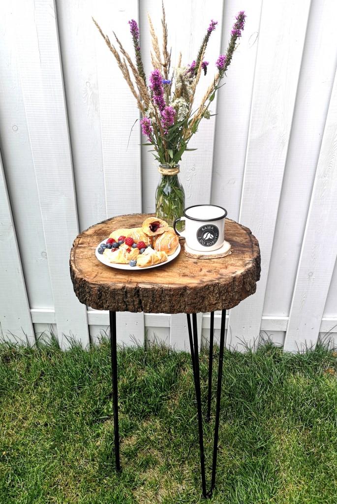 Zrób to sam, Stolik z plastra drewna - Szczegóły ze zdjęciami krok po kroku znajdują się na blogu:  http://dekostacja.pl/2019/08/04/stolik-z-plastra-drewna/