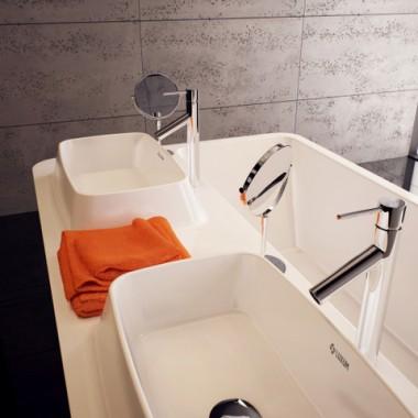Nowoczesne aranżacje łazienek - umywalki z blatem na wymiar
