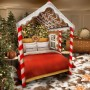 Dekoracje, Cukierkowy dom - Podłoga i ściany w pokojach pokryte są czekoladą i karmelem.   Miłośnicy słodyczy będą mogli po przyjeździe skubać jadalne wieńce świąteczne, podziwiając przy tym niezwykłe dekoracje fasad wykonanych z cukru pudru oraz bombki z waty cukrowej.   Źródło: Cover Images/East News