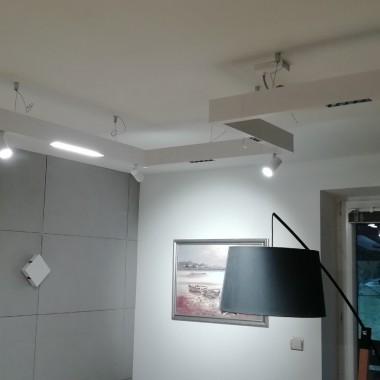 Nowoczesna lampa LED wg własnego pomysłu