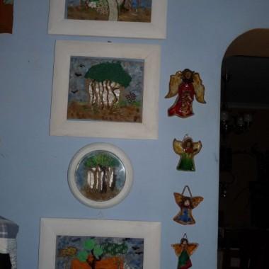 kuchenne ściany są galerią wystawienniczą