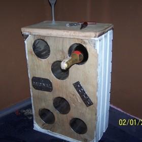 barek LOFT stojak na wino z odzysku