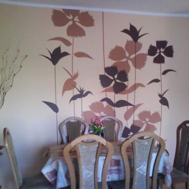 kwiaty - szablonik na ścianie