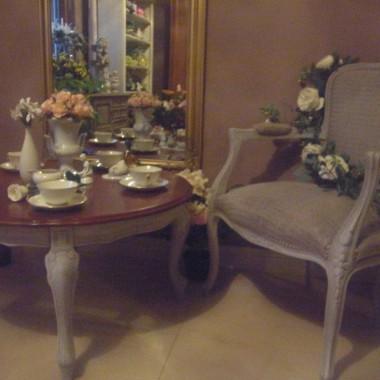 fotel i stolik kawowy