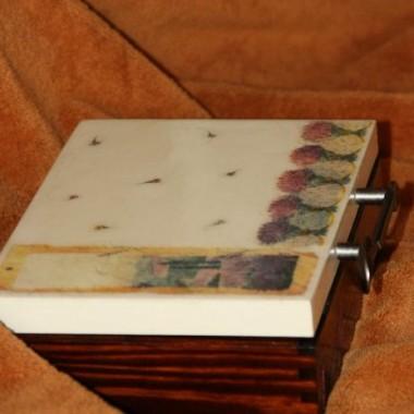 Decoupage - lawendowe pudełko na herbatę.