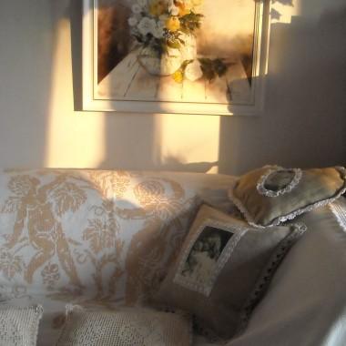 .................i sofa .................i podusie...................