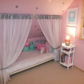 Pokój 6-letniej córci w domku rekreacyjnym (weekendowym)