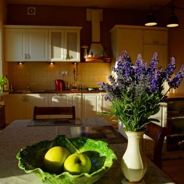 Kuchnia ze stołem