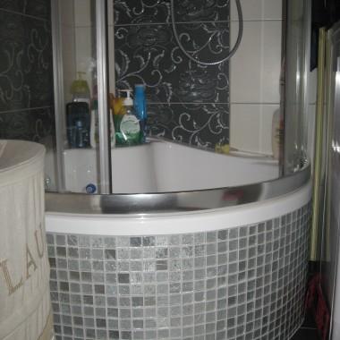 Skromna łazienka w bloku