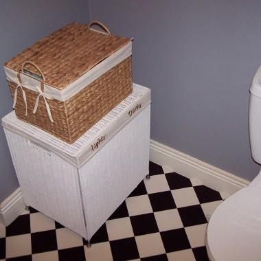 Łazienka  szaro-biało-czarna