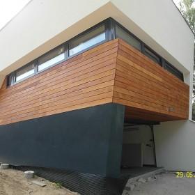 Taras drewniany i elewacja drewniana. Realizacja w Rybniku.