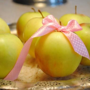"""""""Tak pachnie jabłko jak malarz wzniósł plamę""""…"""