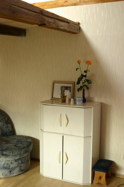 Salon, Moj pokój.... - północna strona pokoju....na tej jednej scianie tapeta....i tu beda schody na gore do sypialni....