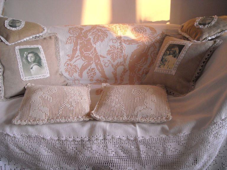 Dekoratorzy, Czekając na wiosnę .................. - ................i sofa z poduchami...............