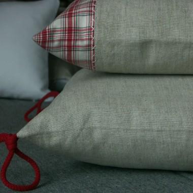 poduszki z lnu, z dodatkiem bawełnianej kratki, tej kratki już nie mam była SH, ale mogę zasosować pomysł z inną kratką &#x3B;)